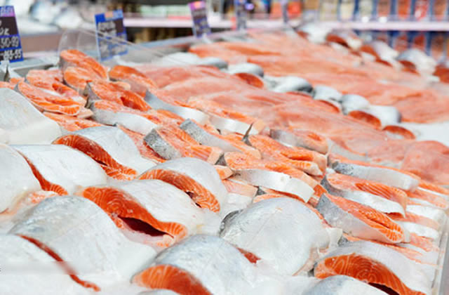 50,000 Costco Customers Urge Company to Reject GM Salmon